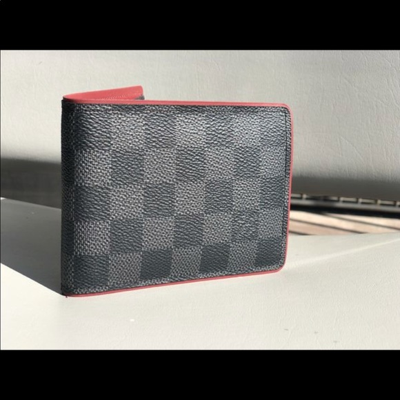 dbf67786689b Louis Vuitton Other - LV Men s Multiple Wallet Damier Graphite Canvas